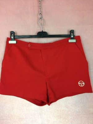 Shorts Sergio Tacchini, Véritable vintage années 80s, Made in Italy, Bouton et Scratch, Taille M, Couleur Rouge, Tennis Sports Homme