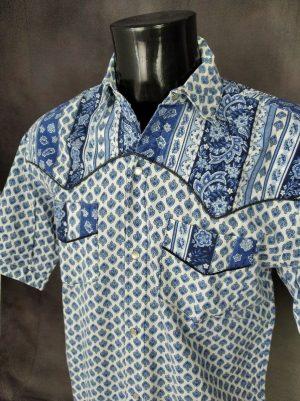 Chemise Provence Vintage années 90s, Boutons Nacres, Manches Courtes, Taille M, Couleur Blanc et Bleu, Gardian Camargue Sud Feria Shirt Homme