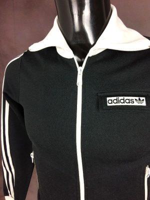 VesteAdidas, Véritable Vintage Années 00s, Made in Indonesia, Trefoil, 2003, Taille XS, Couleur Noir et Blanc, Old School Design Sport Sportwear Streetwear Femme